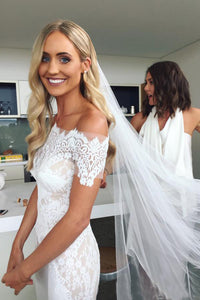 Off-the-Shoulder Trumpet/Mermaid  Lace  Wedding Dress