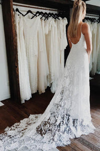 Spaghetti Straps V-neck Lace Wedding Dress with Appliques