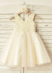 A-Line/Princess V-neck Beading Flower Girl Dresses