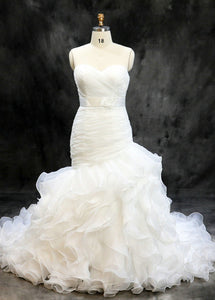 Court Train Sweetheart  Sleeveless Wedding Dresses