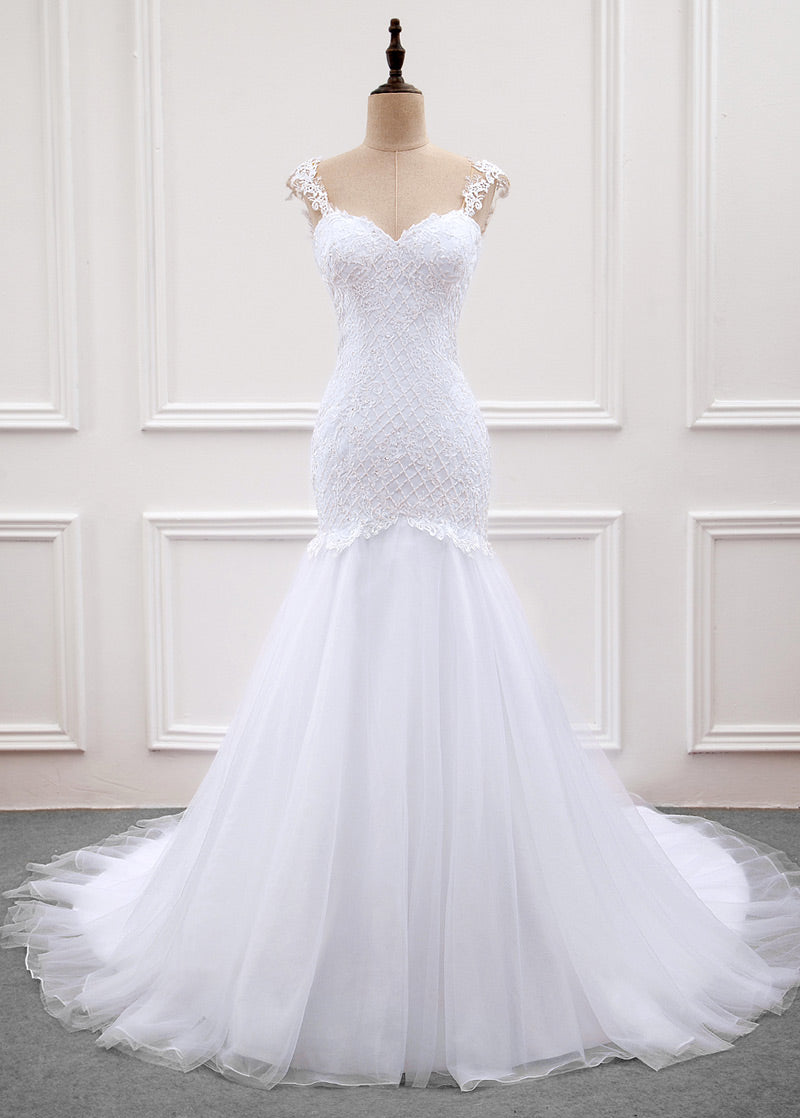 Tulle Trumpet/Mermaid Sweep Train Wedding Dresses