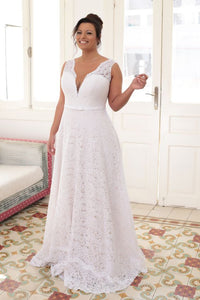 Plus size A-line Deep V-neck & V Back Sleeveless Lace Bridal Wedding Dresses With Sweep Train