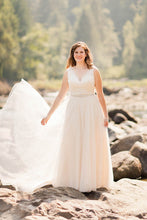 Princess V-neck Lace & Tulle Wedding Dresses