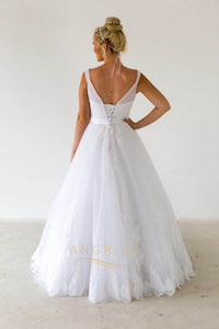 Simple  Sweep Floor V-neck Straps Lace Applique Tulle Wedding Dresses