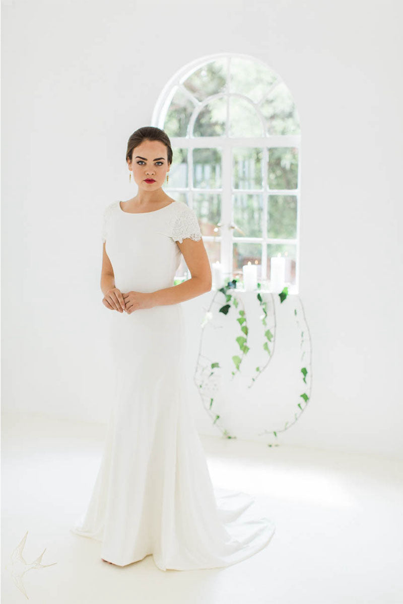Elegant Scoop Cap Sleeves Mermaid Wedding Dresses
