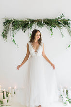 Bohemian A-line V-neck Floor-length Tulle Wedding Dresses