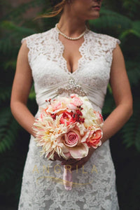 A-line/Princess V-neck Lace Wedding Dresses with Big Train