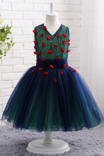 Ball Gown Tulle & Lace V-Neck Flower Girl Dresses with Handmade Flowers