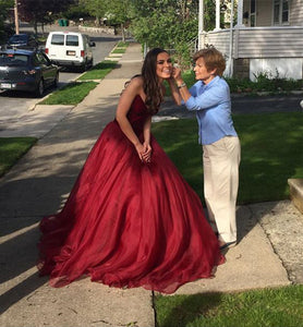 Elegant Ball Gown Burgundy Long Organza Prom Dresses