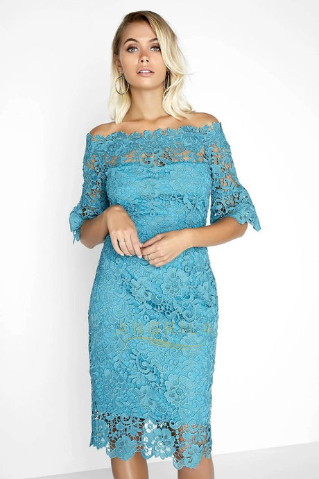 Sheath/Column Off-the-Shoulder Lace Short Mother of the Bride Dress