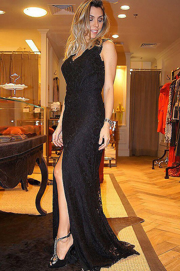 Sheath Lace V-Neck Sleeveless Sweep Train Plus Size Formal Dresses