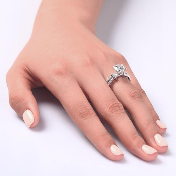 Round Cut 2 Carat Detailed Split Band Ring