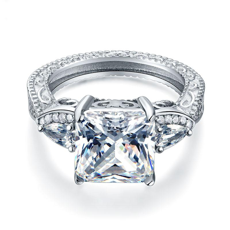 Exclusive limited Offer: 4 Carat Princess Cut Ring