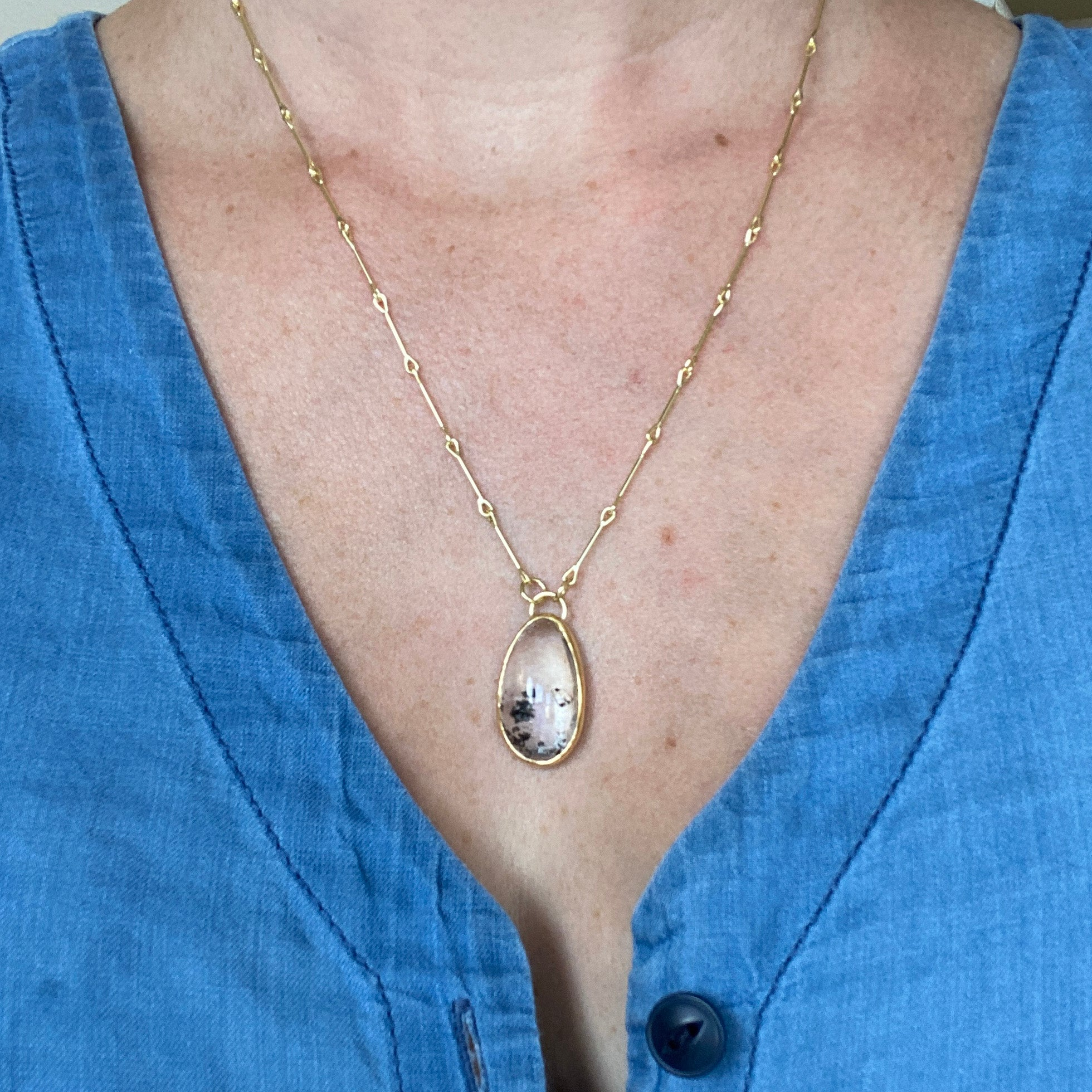 Small Quicksand Quartz Necklace
