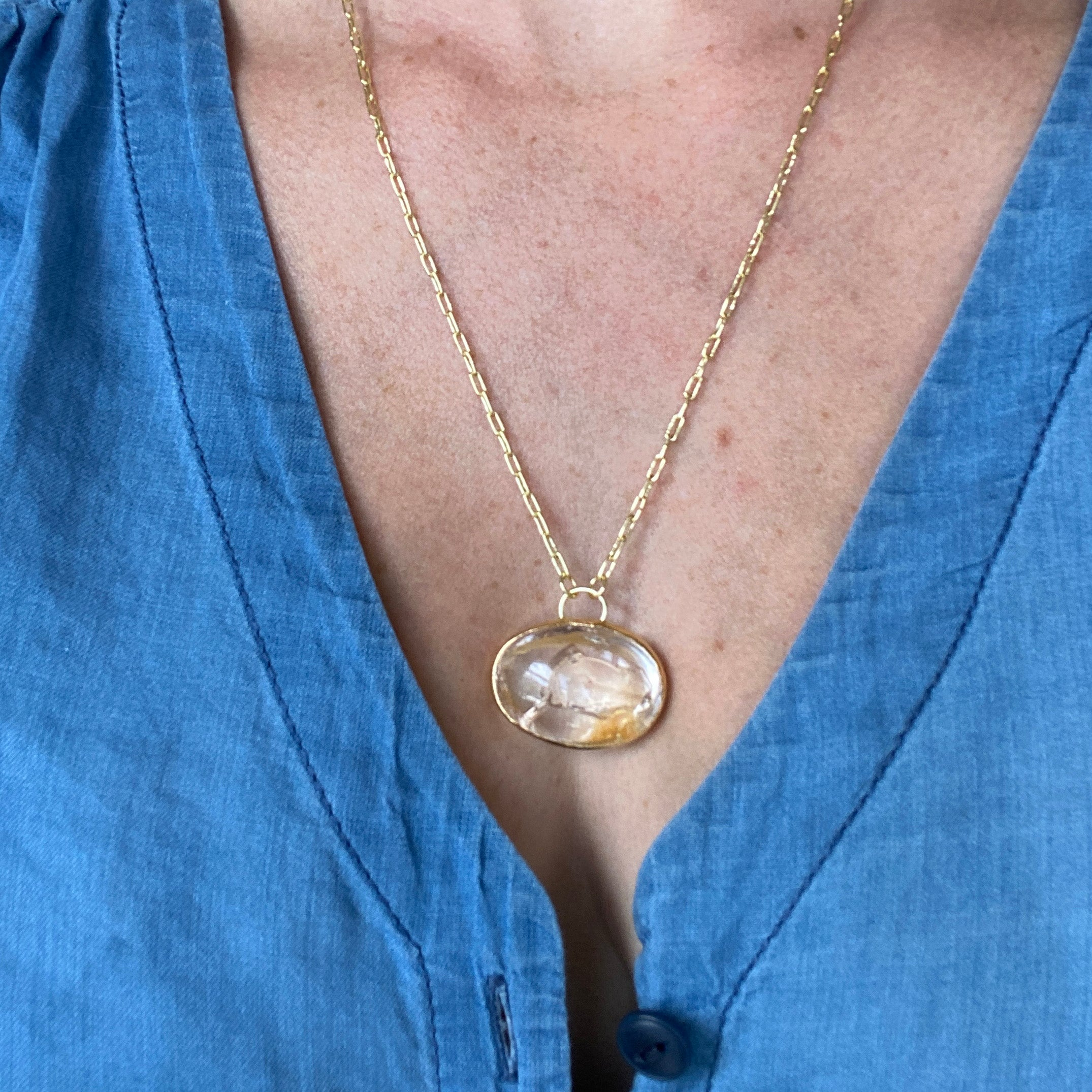 Fast Moving Bubble Enhydro Silk Necklace
