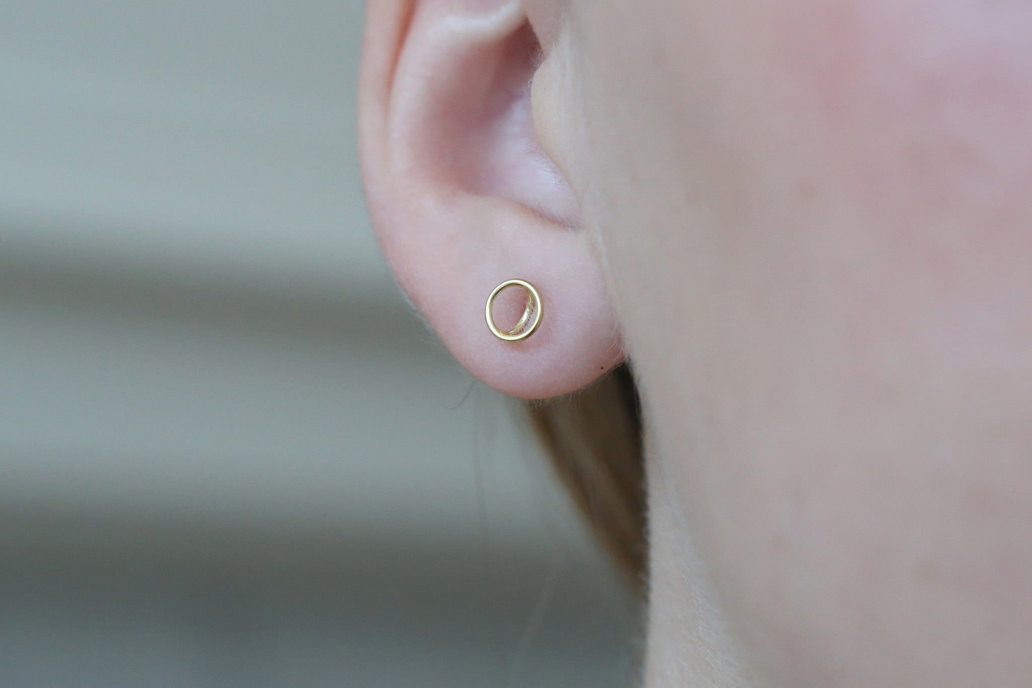 Trace Earrings - Circle