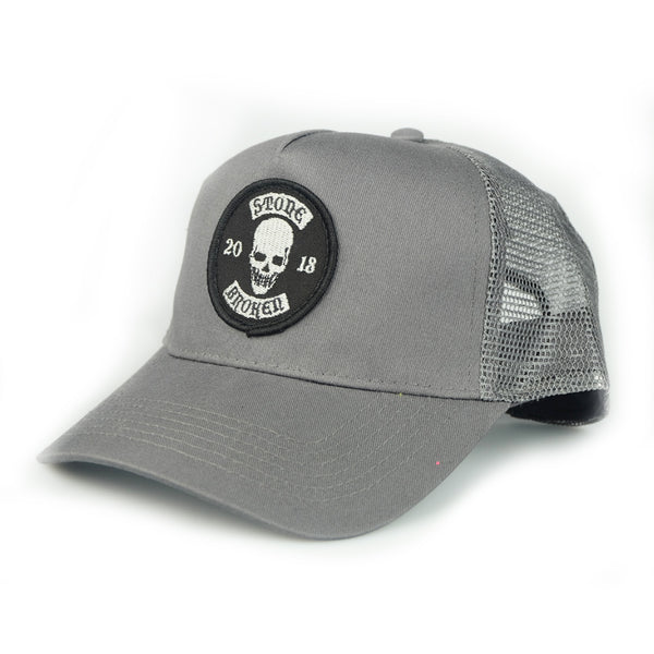 2018 SKULL PATCH GREY  TRUCKER CAP