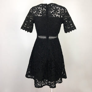 Royal Lace Dress Daisy Floral with Sleeves