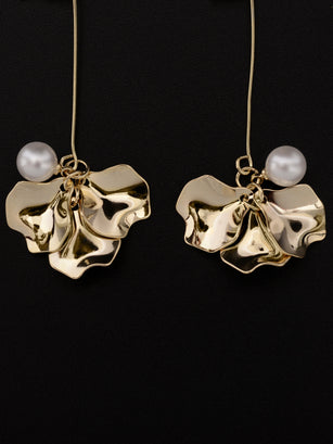 Bended Petal Earrings