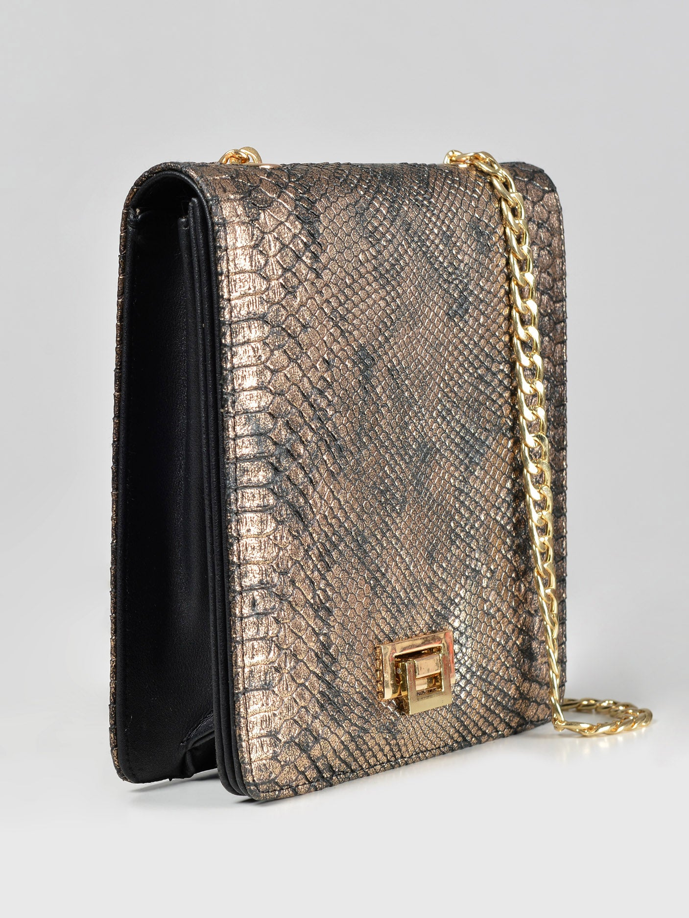 Cheetah Textured Handbag