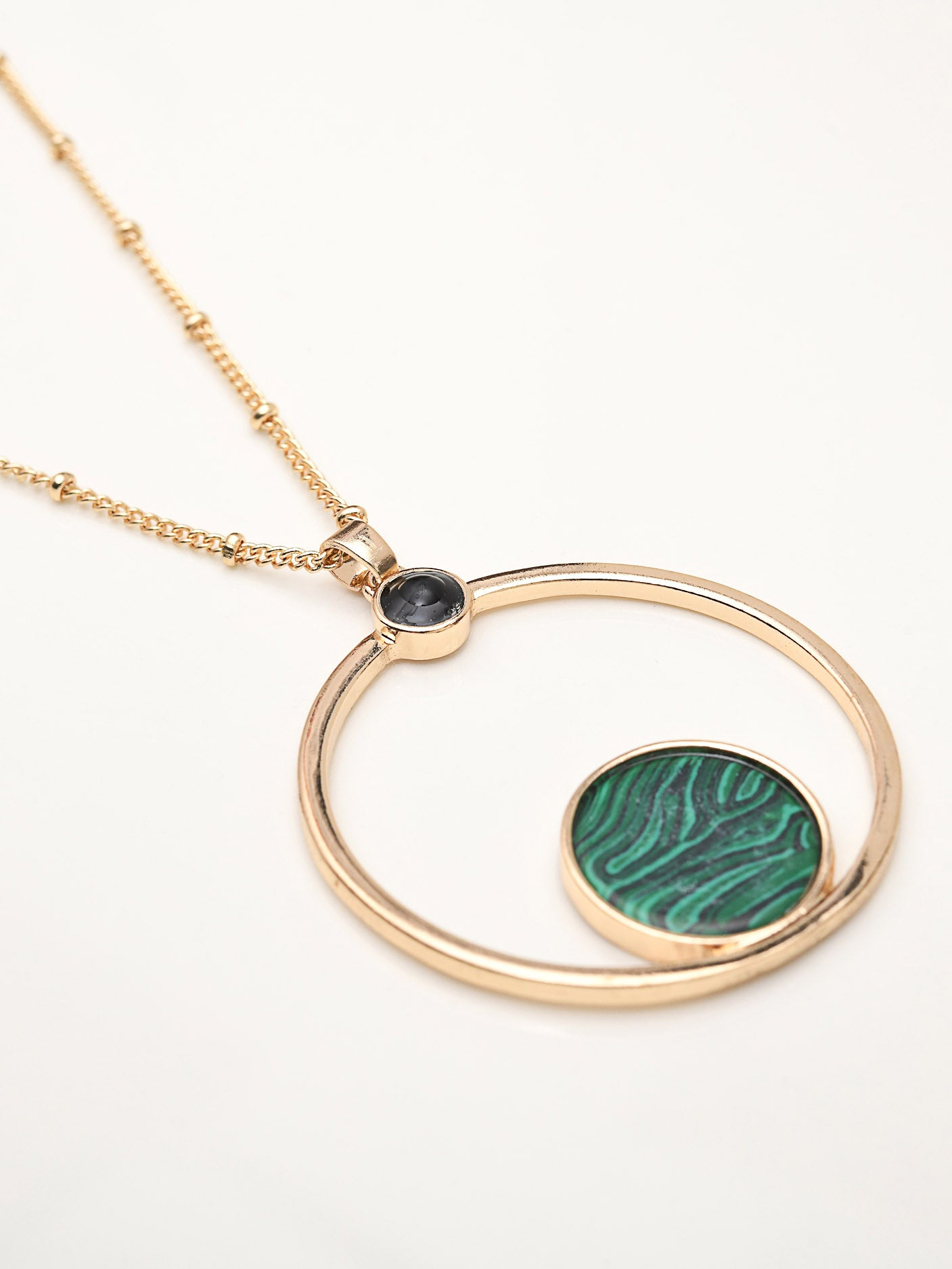 Circular Pendant Necklace