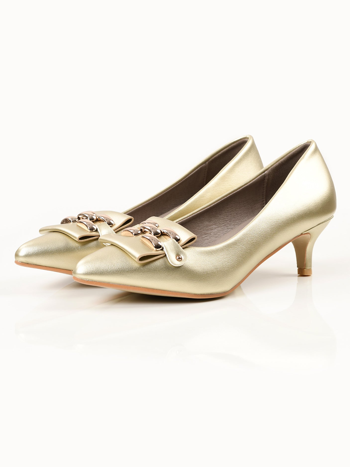 Pointed Heels - Light Gold