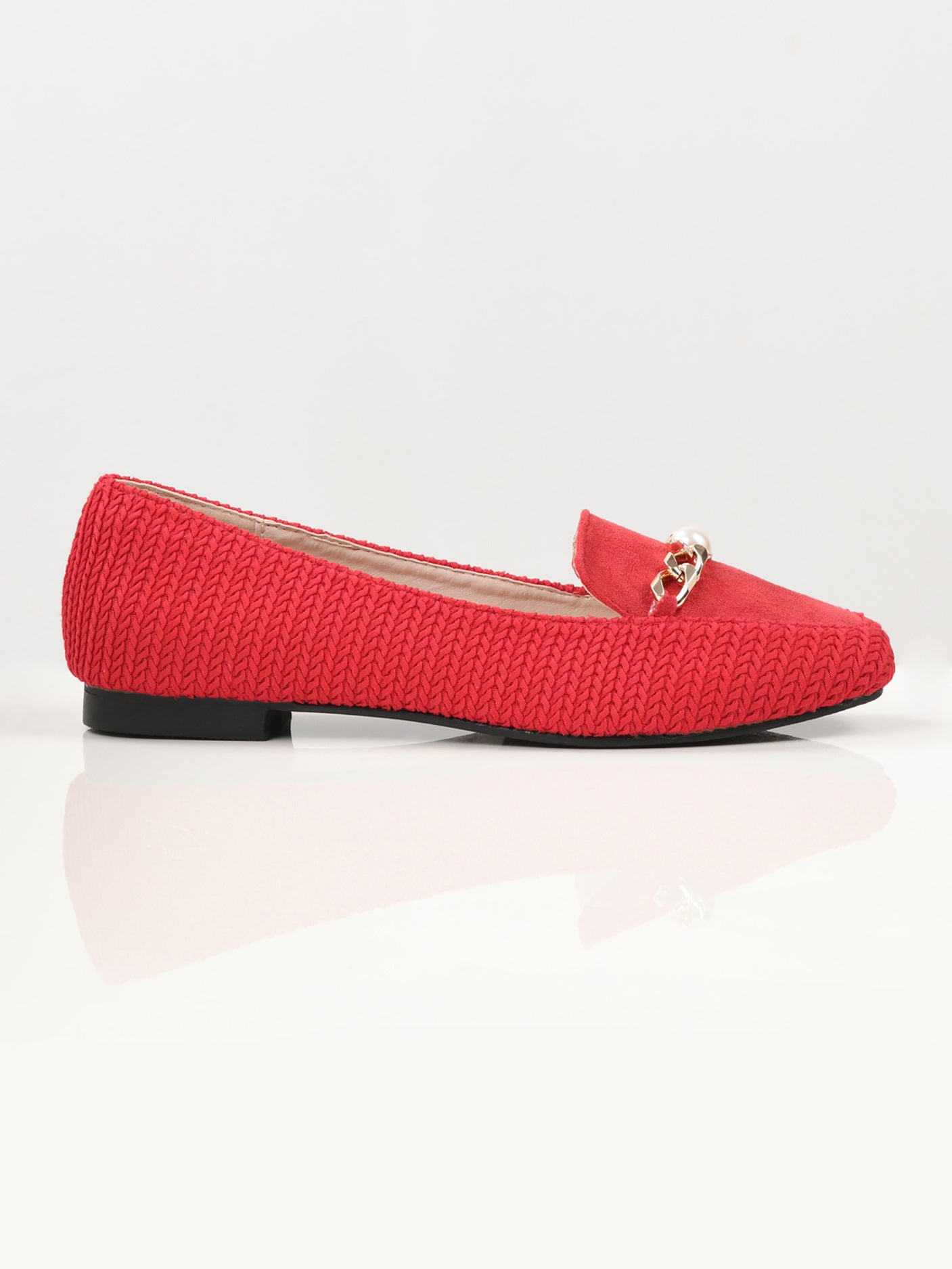 Textured Chain Shoes - Red