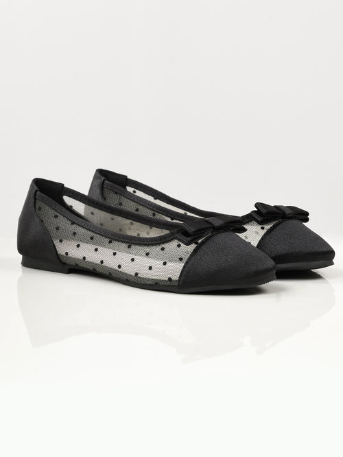 Bow Net Pumps - Black and White