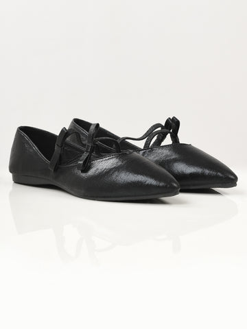 Shiny Pointed Shoes - Black