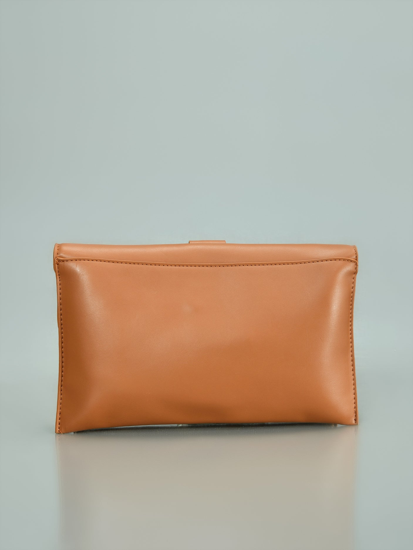 Ring Handle Clutch