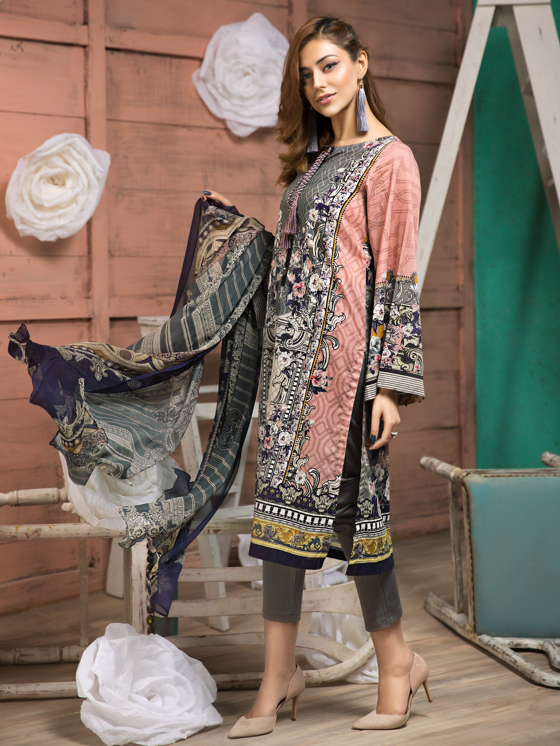 a96277ed2b Buy Unstitched Ladies Lawn Collection 2019 in Pakistan | Limelight.PK