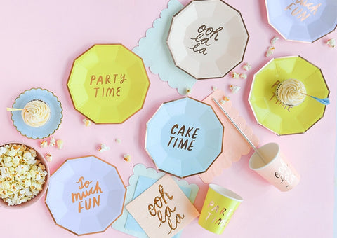 SMALL FUN PARTY PLATES