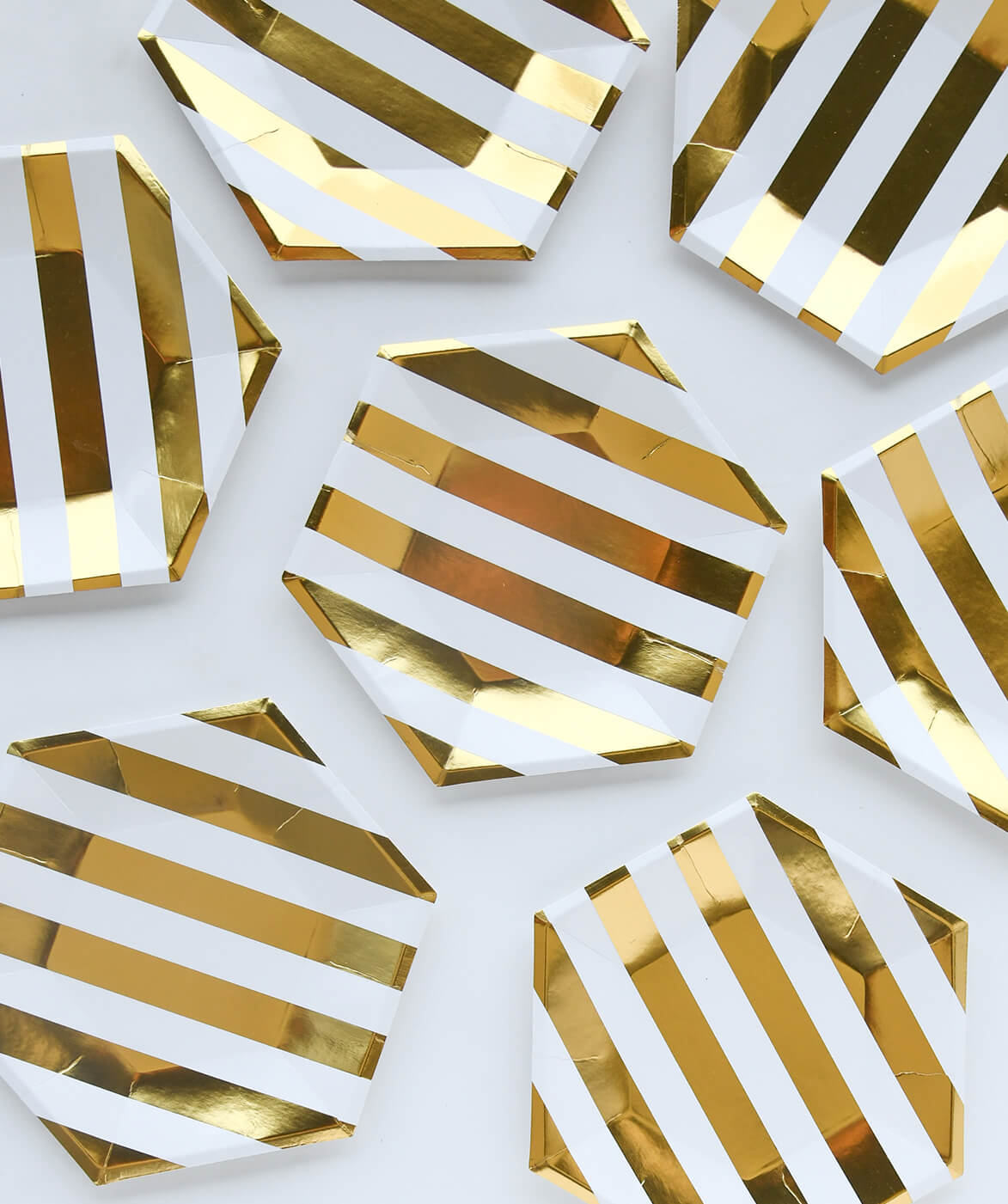 LARGE GOLD STRIPES PLATES