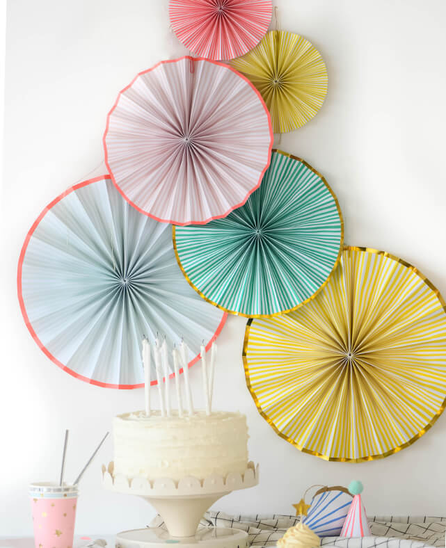PASTEL STRIPED PARTY FANS
