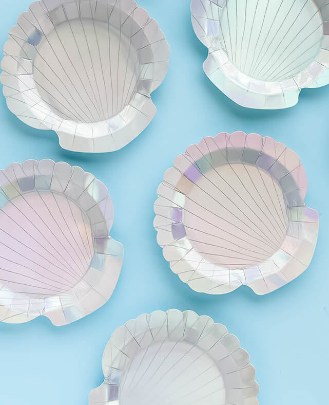 SMALL SHELL SHAPED PLATES (ONLY 1 LEFT IN STOCK)