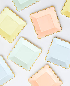 SMALL PASTEL SCALLOPED PLATES