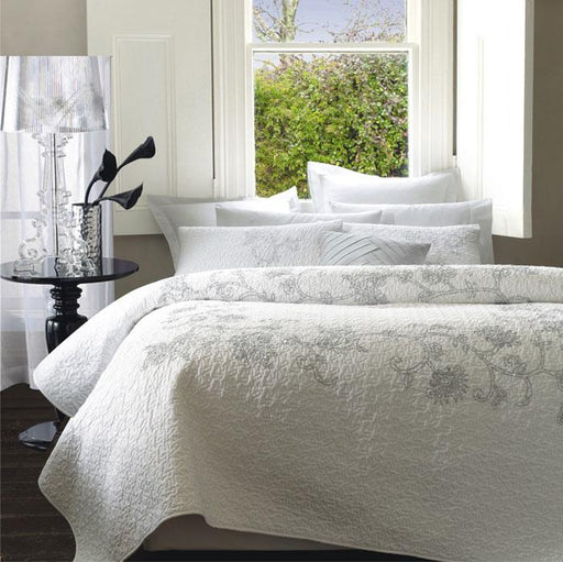 Lux Pia White Quilted Coverlet Set