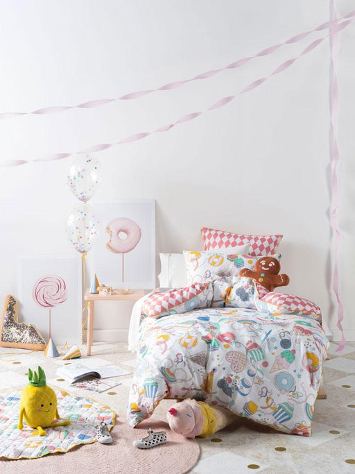 Hiccups Party Time Coral Quilt Cover Set