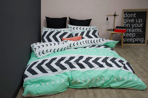 Apartmento Sven Green Quilt Cover Set