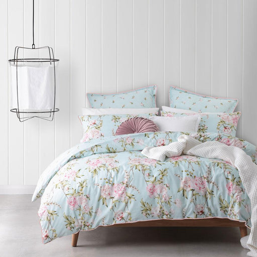 Logan & Mason Elle Mint Quilt Cover Set