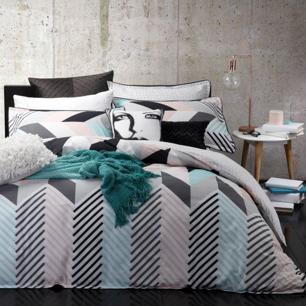 Logan & Mason Rio Mint Quilt Cover Set