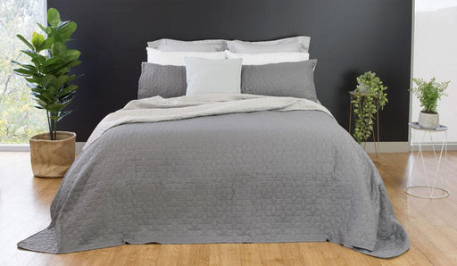 Ardor Boudoir Nottingham Embossed Reversible QB/KB Coverlet Set