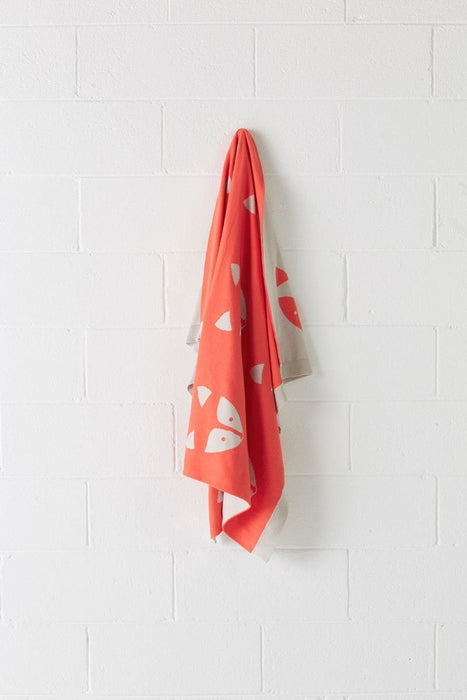 Hiccups Foxy Coral Throw