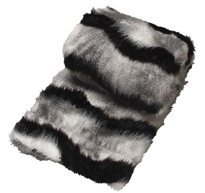 Logan & Mason Saskia Black Throw Rug