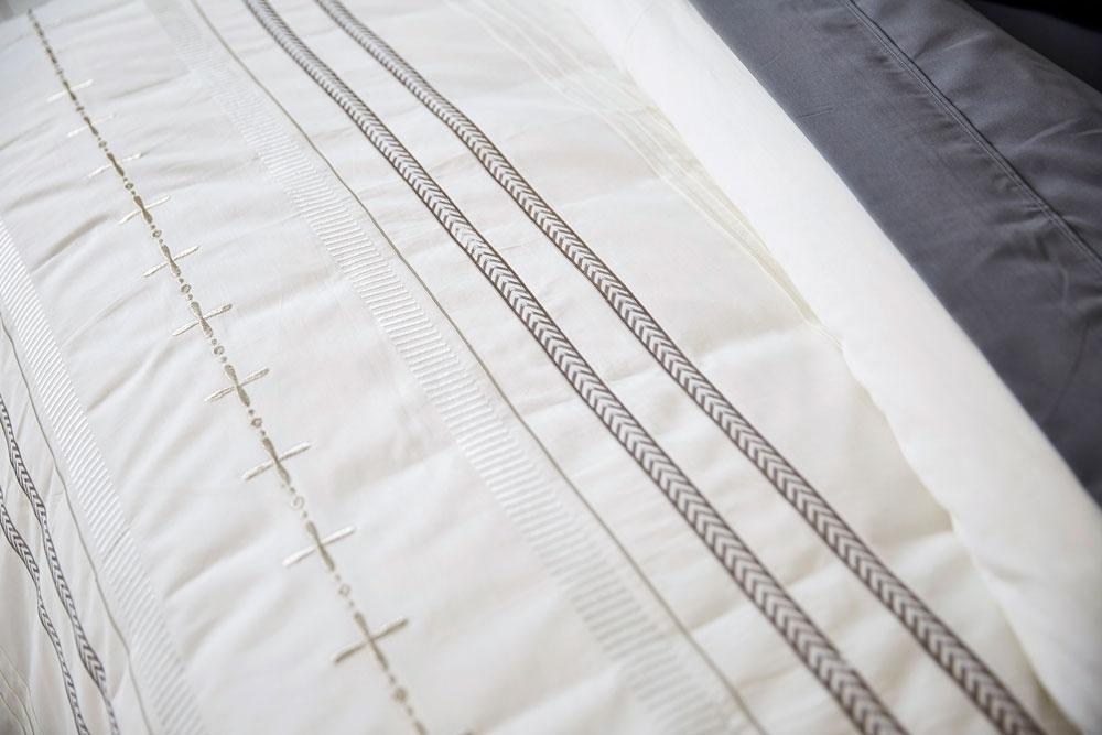 Ardor Embroidered Peyton Cream Quilt Cover Set