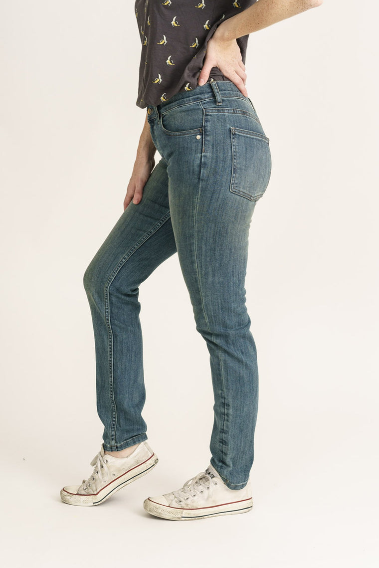 CLASSIC SKINNY // Organic Classic Skinny Jeans in Beat Wash