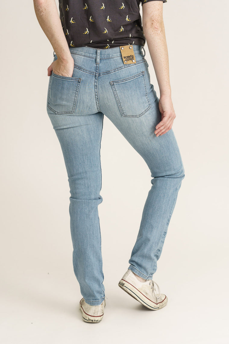 CLASSIC SKINNY // Organic Classic Skinny Jeans in Light Blue Wash