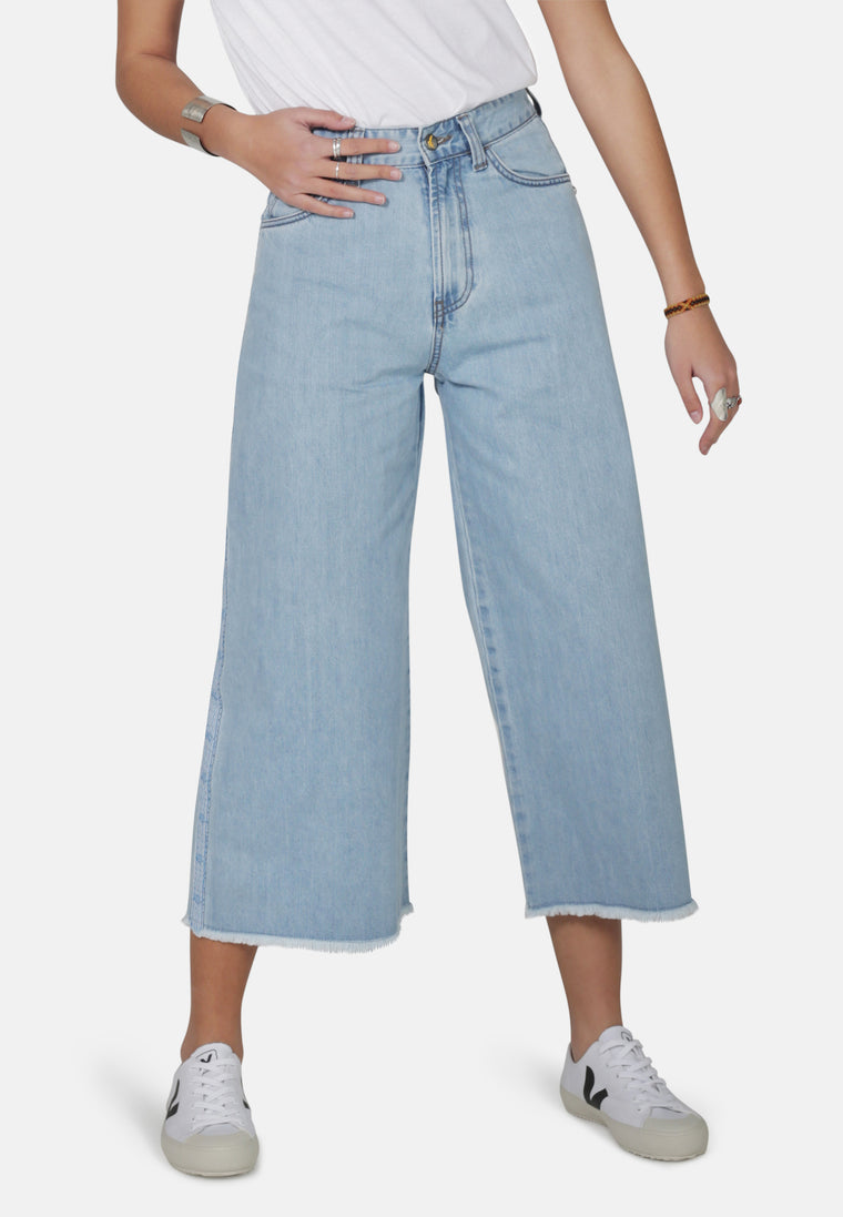 WIDE LEG // Organic Wide Cropped Leg Jeans in Light Wash Denim with Tape