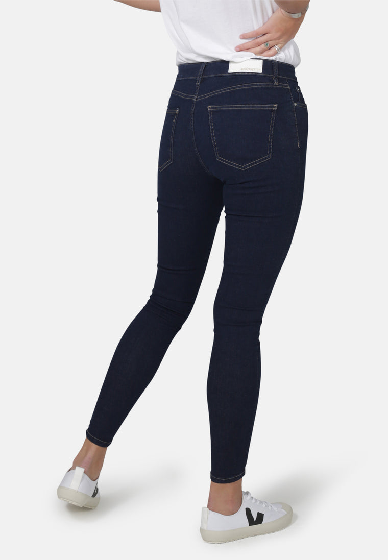 CODY // Organic Super Skinny Mid Waist Jeans in Rinse Eco Wash