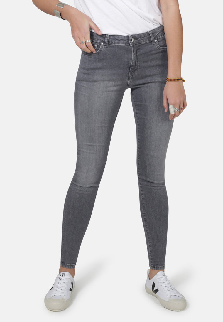 CODY // Organic Super Skinny Mid Waist Jeans in Light Grey Eco Wash